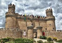 Зачем в замке сооружались такие мощные стены?