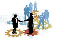 В чем выражается социальная сущность деятельности человека?